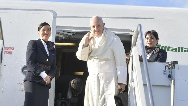 Pope Leaves For Panama
