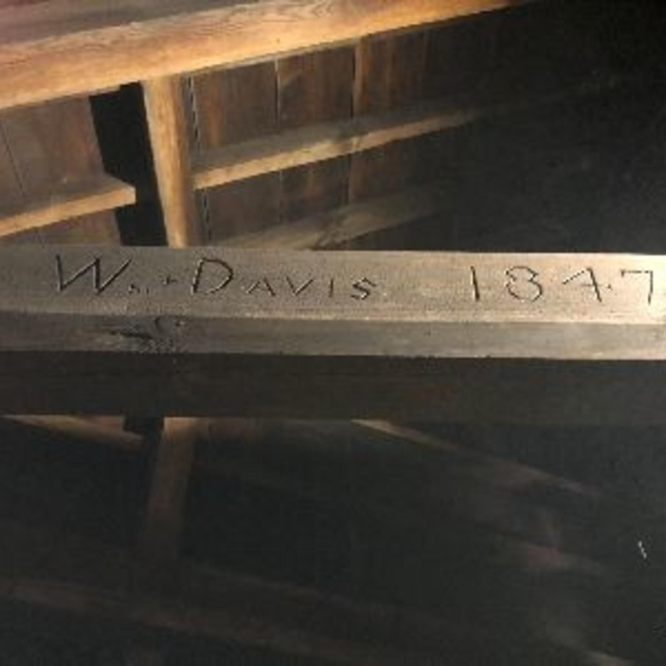 Wdavis1847red
